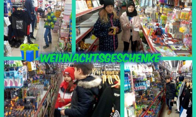 Szukamy świątecznych prezentów wMarkecie Chińskim
